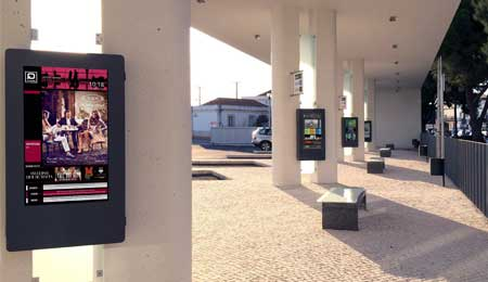 Digital Signage: Faro Bus Station focuses on technology