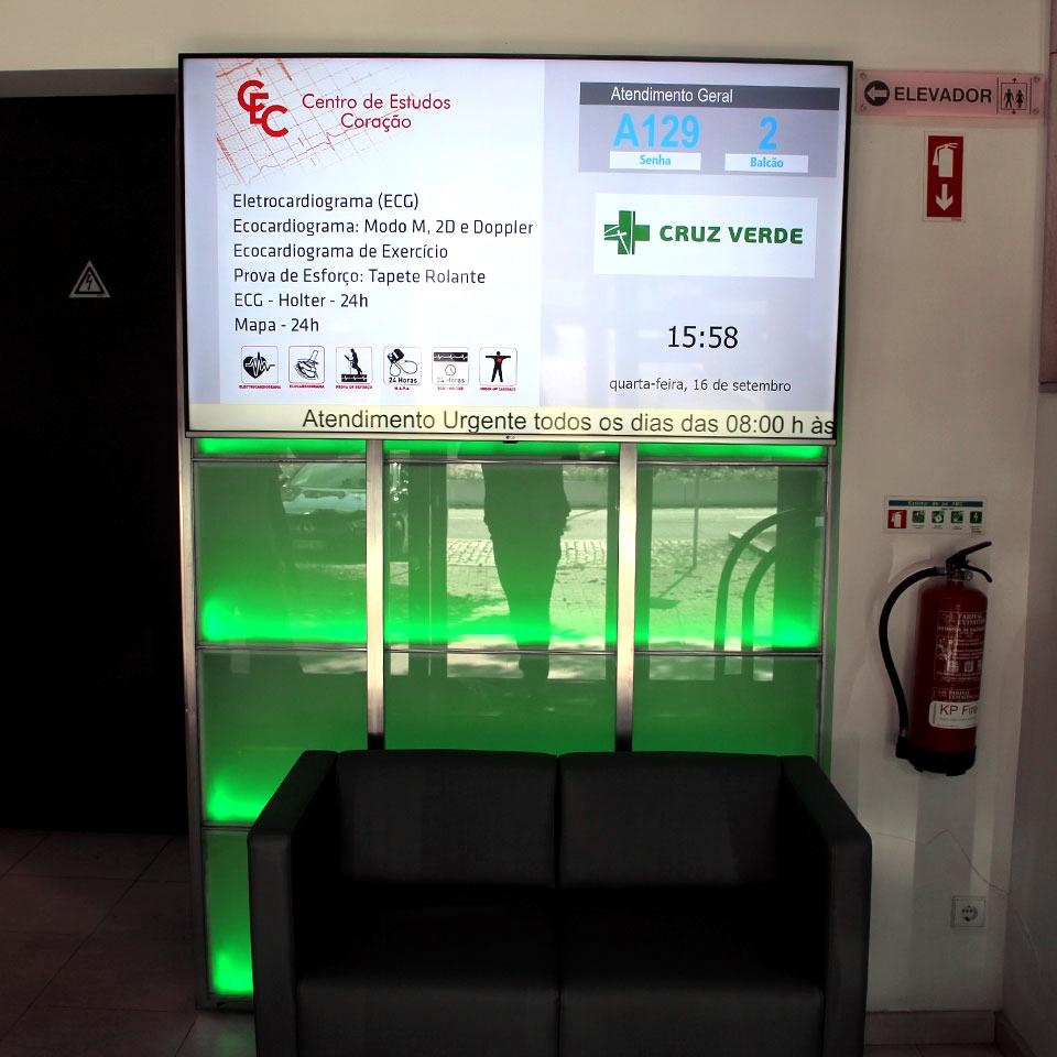 Clínica Cruz Verde optimiza serviço de atendimento com sistema de gestão de filas QMAGINE - img2