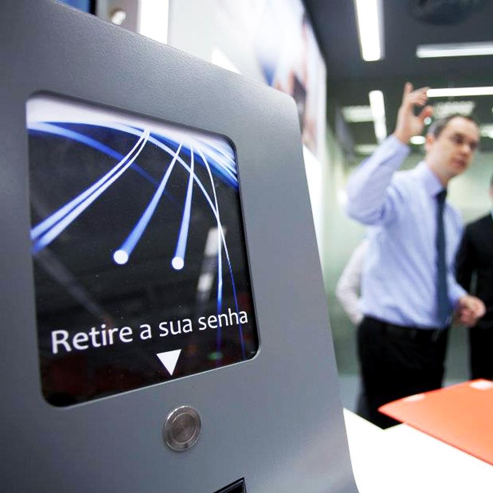 Loja Apple investe no sistema de gestão de filas da PARTTEAM & OEMKIOSKS